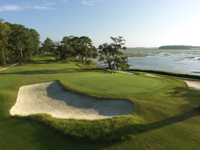 Chechessee Creek's par-3 seventh offers jaw-dropping views over to Callawassie and Spring Islands.