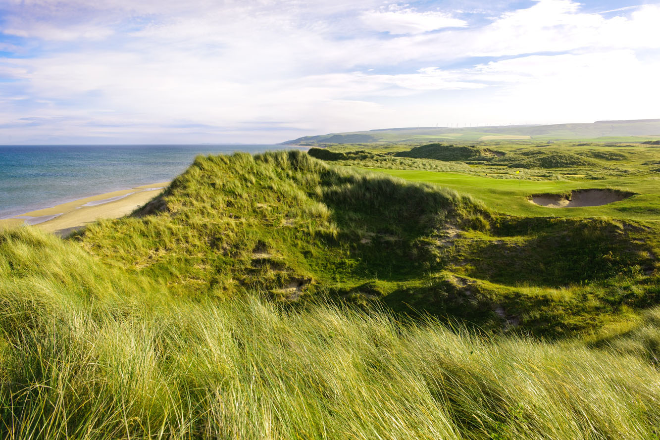 The par-3 15th at Machriuhanish Dunes