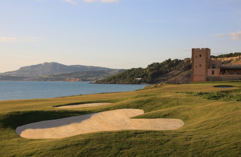 Verdura Golf  Spa Resort Sicily - 18th Approach_IanLowe [800x600]