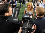 12 41 2 Get Sports Alerts Sign Up Submit this story  Ines Sainz, the Azteca reporter who was allegedly harassed last summer while interviewing Mark Sanchez at a New York Jets practice, returned to cover Super Bowl XLV at Tuesday's media day in Dallas.