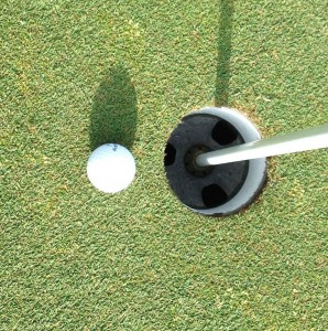 Honestly: Who would rather putt like this. . .