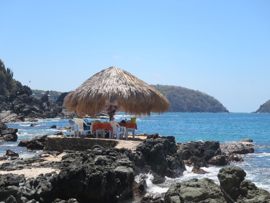 Ixtapa Island is an excellent place to hang out.