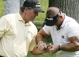 Mickelson, getting Shiatsu massage from trainer Jim Weathers.