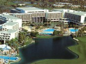 The Marriot in Palm Desert is a formidable complex for golf, poolside leisure, fine dining and nightlife at Costas.