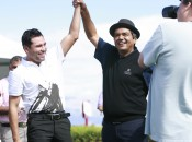 Pro-am stalwarts Oscar De La Hoya and George Lopez celebrate at 2009's JT Shriners Open