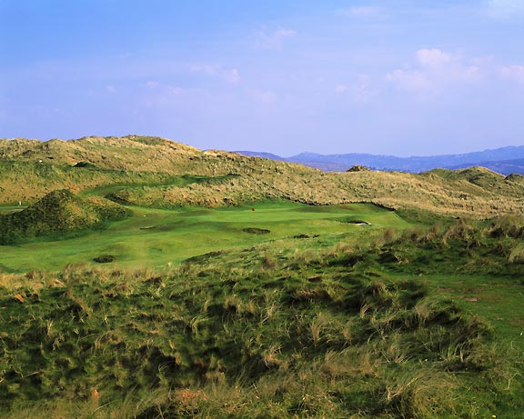 Rosapenna Golf Club, hole 6 on The Old Course, photo by John and Jeannine Henebry.