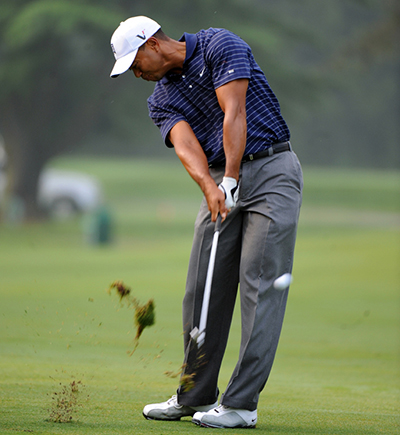 Tiger Woods 11/4 © familymwr