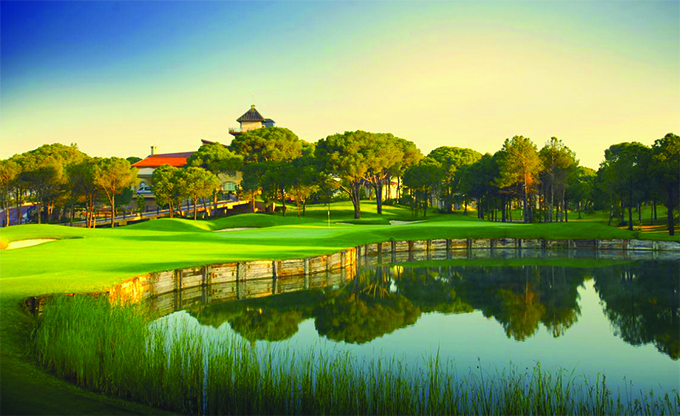 9th hole at Montgomerie Maxx Royal © James Kennedy