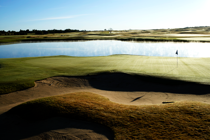 The Kyle Phillips designed   PGA Sweden National Lakes Course 17th green © Staffan Andersson