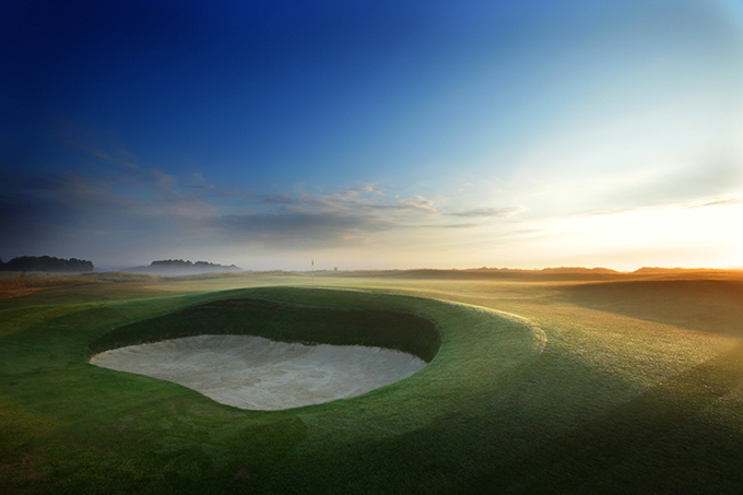 Prince's Golf Club's 8th Hole on The Dunes course © Kevin Murray