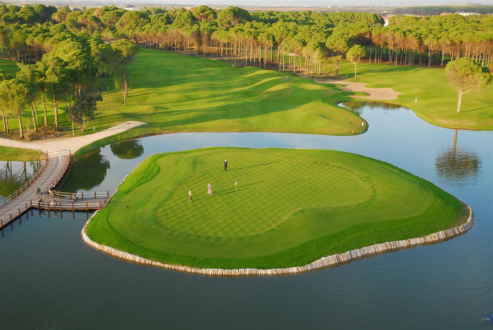 Alfa img - Showing > Amazing Golf Holes