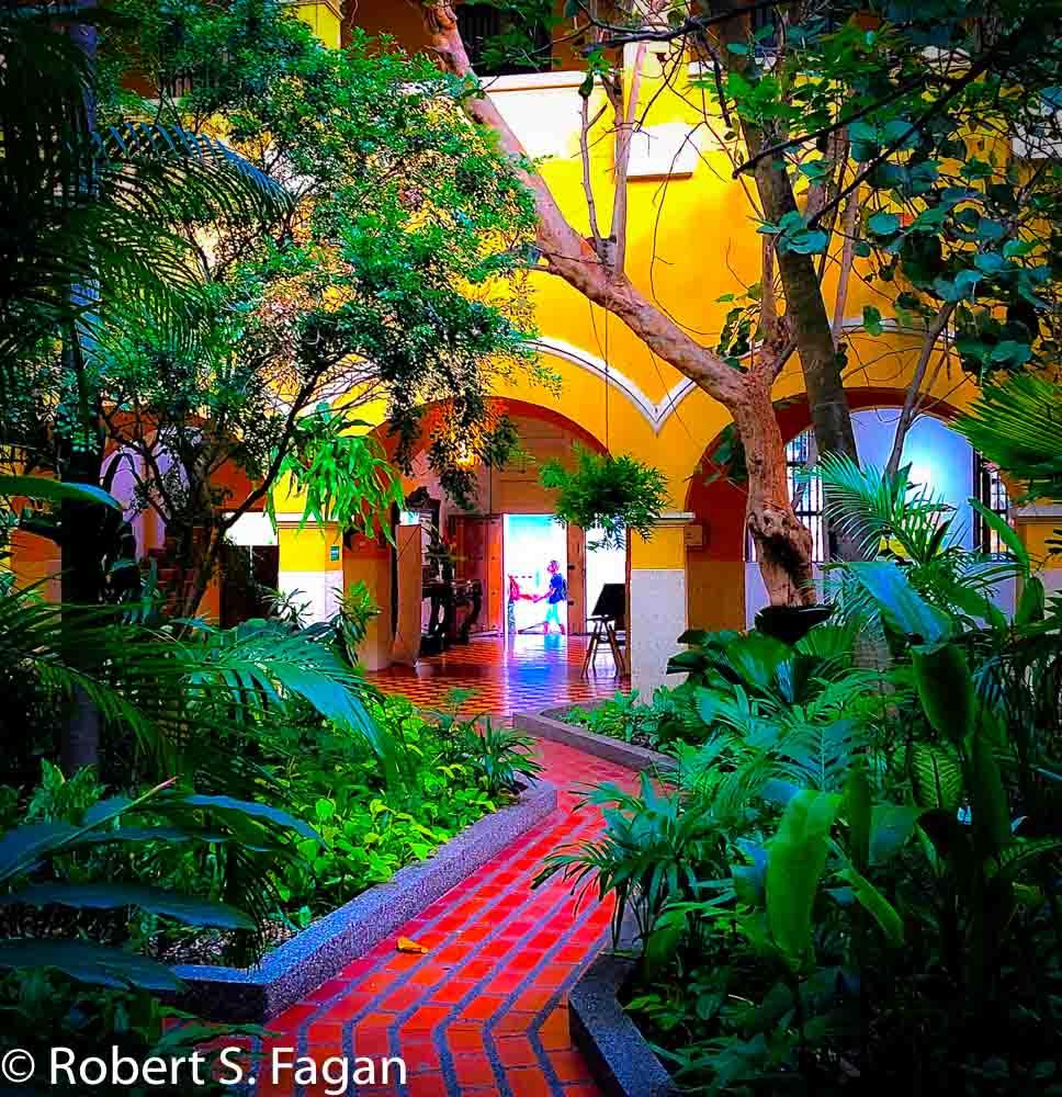 Cartagena hotel courtyard
