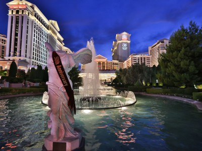 1Caesars Palace Winged Victory Statue_Credit Erik Kabik