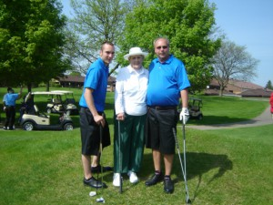Shirley with her Detroit area golf event with her Michigan cousins