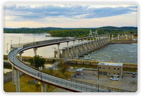 Big Dam Bridge: a pedestrial and bike path