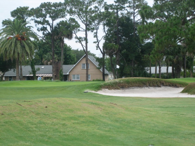 Bobby Weed performed some nice bunker and green rehabilitation at the modest New Smyrna Beach.