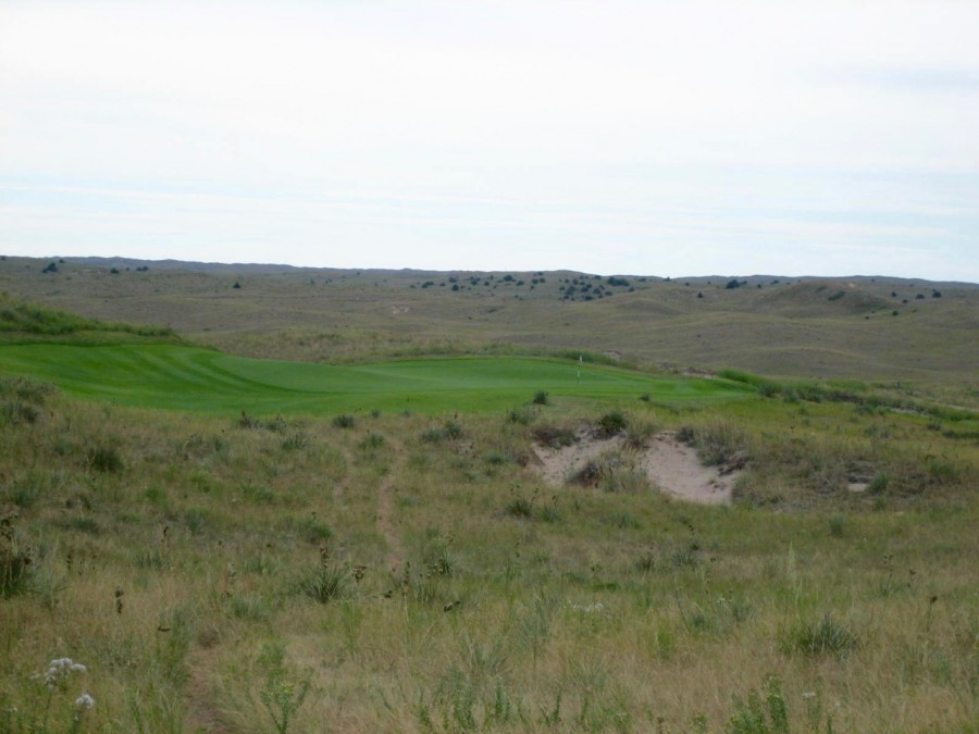 The par-3 3rd swings wildly from left to right.