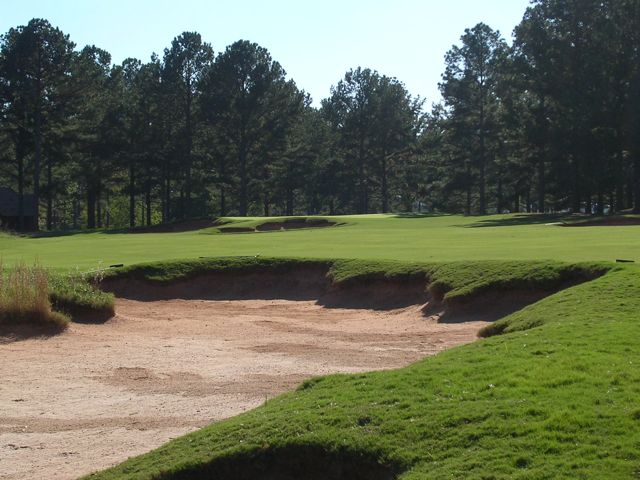 Another example of Cuscowilla's detailed bunkering--here, the par-4 17th.
