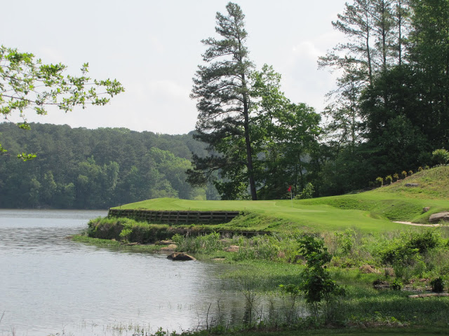 The dainty, and dangerous, par-3 16th at Cobblestone.