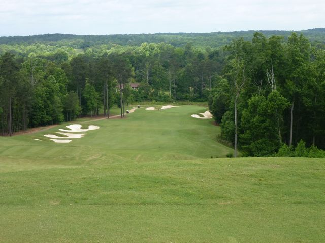 Few holes at Echelon fit the natural land as well as the lovely 13th. If only more holes were like this one.
