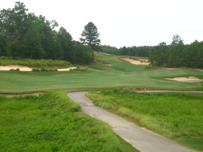 Tobacco Road's 9th hole shows how Mike Strantz staggered and stretched features across a beautiful golf site.