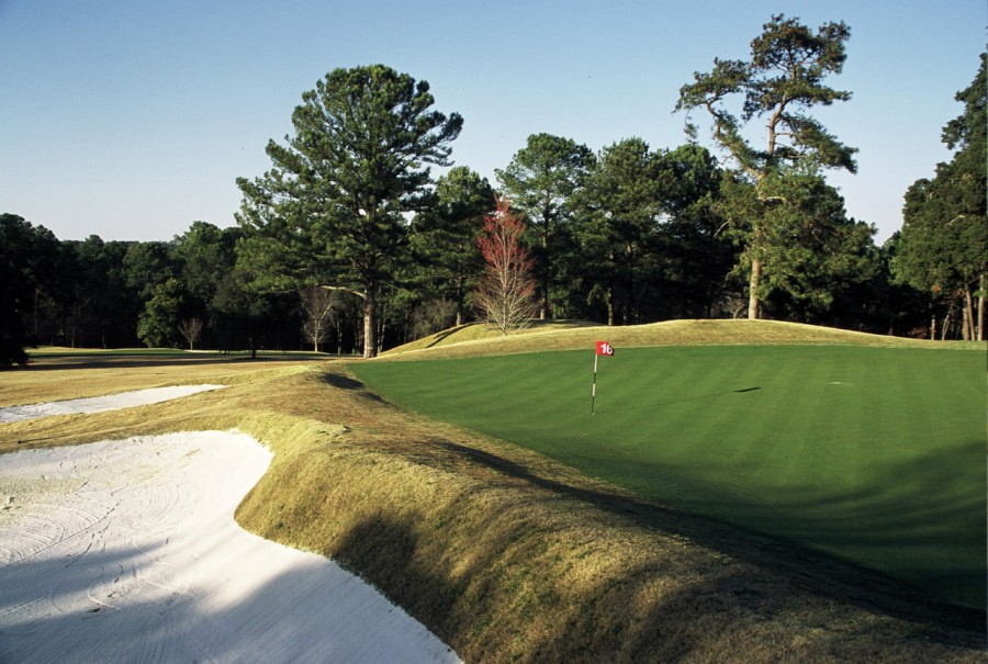 The fantastic short uphill par-4 16th has one of the South's best punchbowl greens.