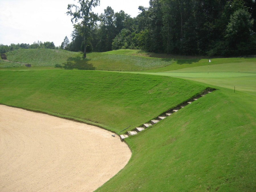 ...but you're going to want to avoid this bunker guarding the front left.