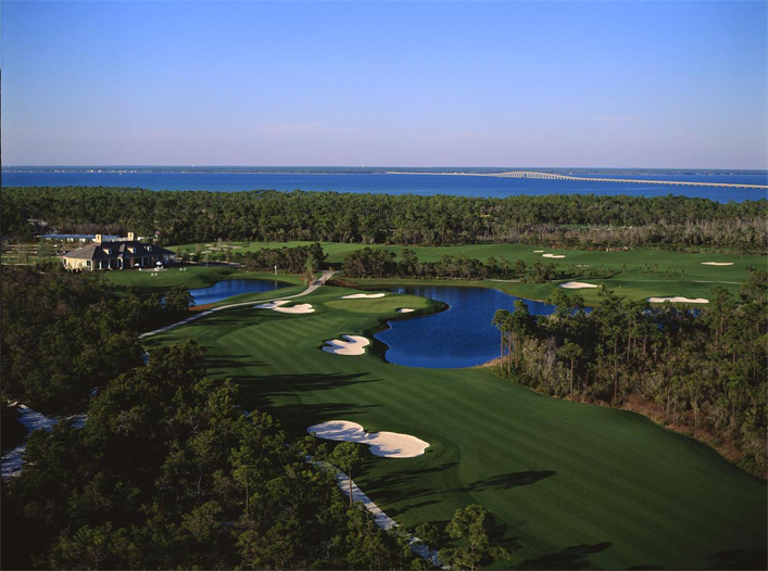 Kelly Plantation's par-5 18th zigzags toward a dramatic, risk/reward finish. (photo: www.kellyplantation.com)