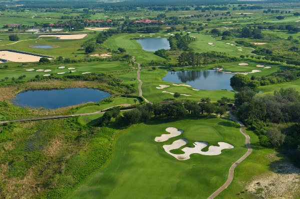 Bunkering of all shapes and sizes characterizes the look at Orange County National's Panther Lake Course.