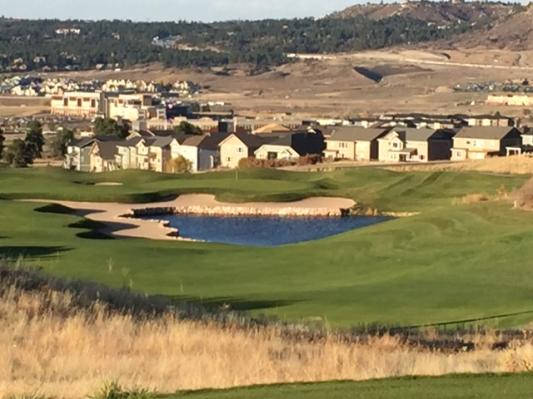 This photo of the gambler's delight par-5 18th sums up Colorado Front Range golf perfectly.