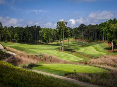 The par-5 12th at The Creek Club in Georgia, with a decision to make off the tee. (photo: reynoldslakeoconee.com)