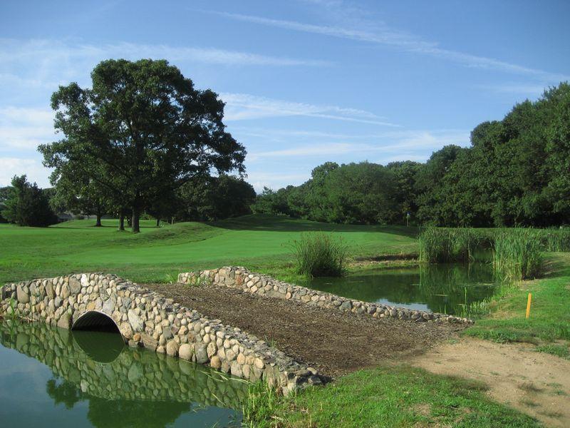 The fourth hole at Stonebridge Golf Links