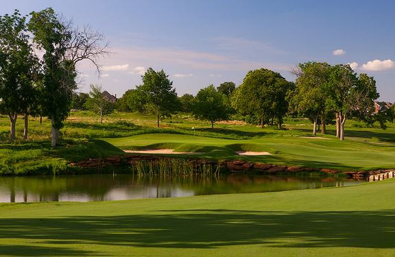 The first hole at Oak Tree National