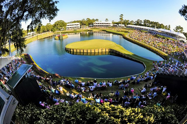 The action at 17. (Stan Badz/PGA TOUR)