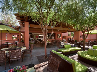 Zona Hotel and Suites in fashionable Scottsdale offers Southwest style without fuss and expense.