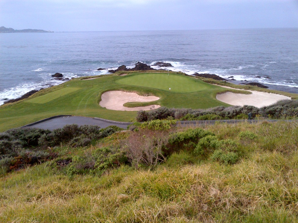 Romantic? Pebble Beach's seaside seventh hole inspired a wedding.