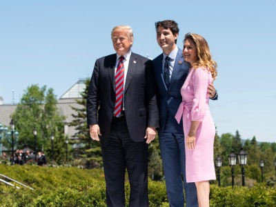 The Right Honourable Justin Trudeau Prime Minister of Canada, Le très honorable Justin Trudeau Premier ministre du Canada, Madame Sophie Grégoire Trudeau Mrs. Sophie Grégoire Trudeau, His Excellency the Honourable Donald J. Trump President of the United States, L'honorable Donald J. Trump Président des États-Unis