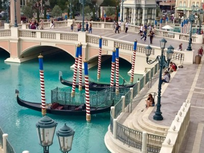 Venice at Vegas - the Venetian Resort and Palazzo provide an Italian-style spree. (Photo by Harrison Shiels)
