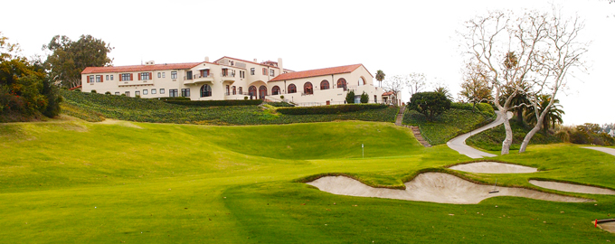 The iconic clubhouse looking down on the 18th green at the Riviera Country Club © YS
